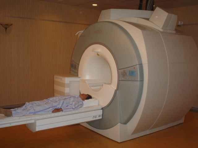 核磁共振扫描仪