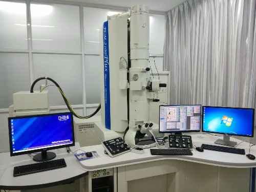 高分辨率透射电镜