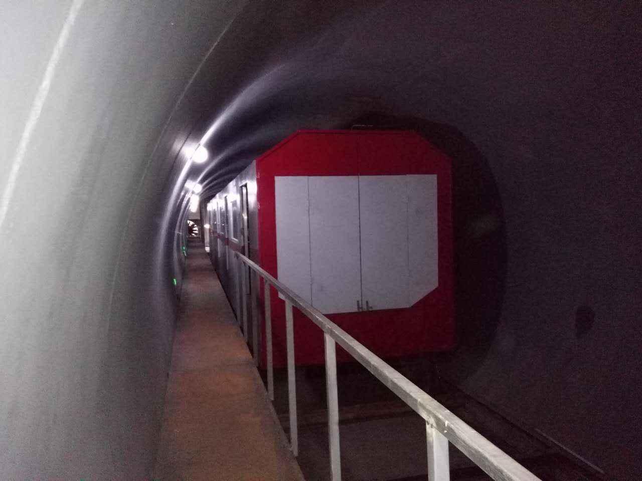 地铁区间隧道列车火灾燃烧实体模型