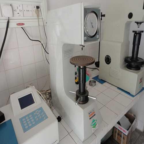 硬度测试装置